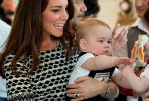 Θραύση έκανε το ασπρόμαυρο φόρεμα της Kate Middleton! Πόσο κοστίζει; (PHOTO)