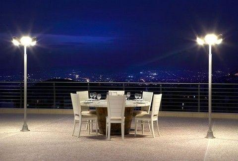 Μπαλκόνι στις Κυκλάδες: Αίσθηση και γεύσεις Αιγαίου, σε ένα από τα ομορφότερα μπαλκόνια της Αθήνας!