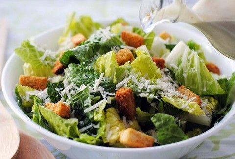 Ceasar's.... από σπίτι! Πώς θα φτιάξετε ΜΟΝΟΙ σας την πιο χορταστική σαλάτα;;;