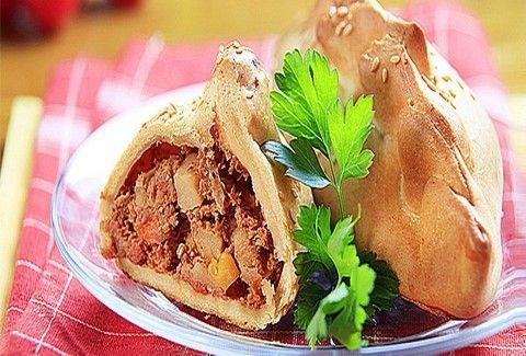 Τι θα φάμε σήμερα; - Μοσχαράκι τυλιγμένο με μπέικον μέσα σε κριτσανιστή ζύμη!