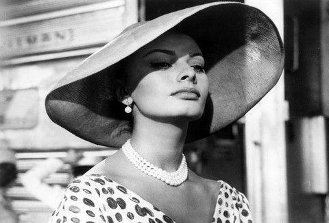 Το απόλυτο θηλυκό! Όταν η Sophia Loren έκανε ice bucket challenge κόλαζε και Άγιο (PHOTO)