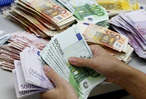 Ζώδια και χρήμα: Τι θα πάρεις και τι θα δώσεις το επόμενο τριήμερο;