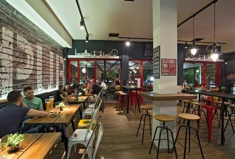 Mind the pub: Μια βρετανική παμπ με... στυλ ελληνικό στην Ηλιούπολη!