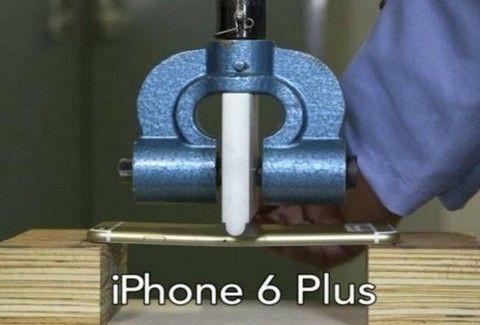 ΘΑ ΕΚΠΛΑΓΕΙΣ! Έτσι λυγίζει ένα iPhone 6 plus κι έτσι ένα Samsung Galaxy Note 3!!! (VIDEO)
