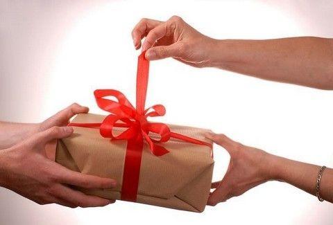 ΖΩΔΙΑ και ΓΙΟΡΤΕΣ: Τι δώρο να του κάνεις ανάλογα με το ζώδιο του;
