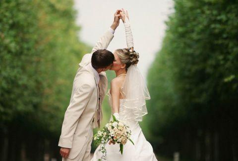 ΖΩΔΙΑ και ΓΑΜΟΣ: Οι καλύτερες ημερομηνίες για να παντρευτείτε το 2015!