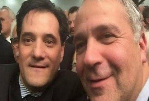 Γελάει ο κόσμος: Η «αντικομμουνιστική» selfie του Άδωνη παρέα με τον Βορίδη! Δείτε το σχόλιο...