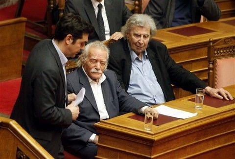 Έξαλλος ο Μίκης Θεοδωράκης με τον ΣΥΡΙΖΑ: Εκμεταλλεύτηκαν εμένα και τον Μανώλη Γλέζο!