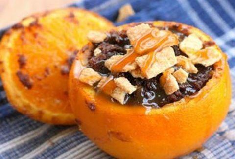 Πεντανόστιμο! Σοκολατένια μπράουνις μέσα σε πορτοκάλι!