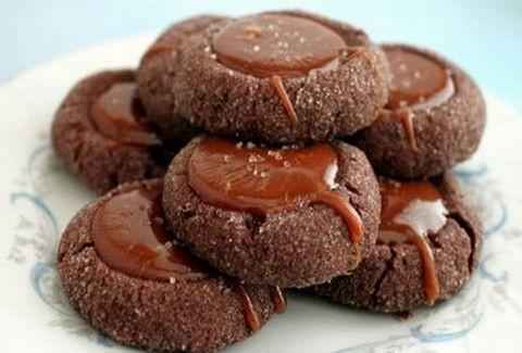 Το γλύκισμα που θα σε ξετρελάνει! Μπισκότα σοκολάτας με αλατισμένη καραμέλα...