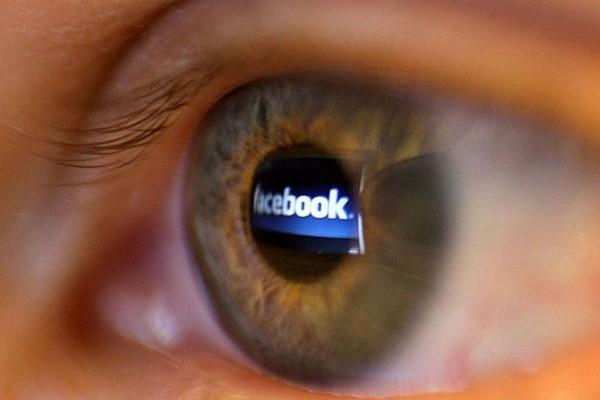 Πώς επηρεάζει το Facebook τον ανθρώπινο εγκέφαλο; (VIDEO)