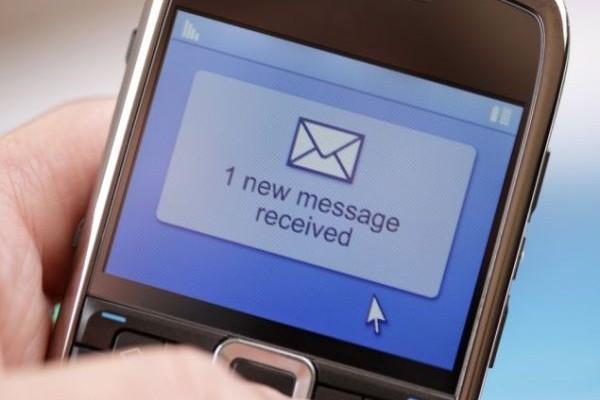 Αποχαιρετήστε το αγαπημένο σας SMS που μεγάλωσε γενιές και γενιές! Ποια νέα εφαρμογή το εξαφανίζει;