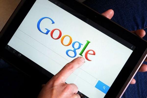 ΕΡΕΥΝΑ: Η αναζήτηση μέσω Google δημιουργεί στους χρήστες ψευδή εικόνα για την εξυπνάδα τους!