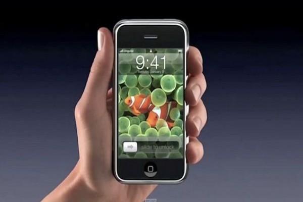 Το ήξερες; Γιατί στις διαφημίσεις του iPhone η ώρα είναι πάντοτε 9.41;;;