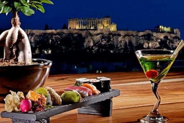 St'Astra rooftop restaurant-bar: Και πάλι κοντά μας, για τη χειμερινή σεζόν!