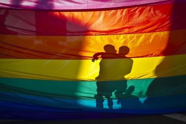 Σύμφωνο Συμβίωσης: Ένα ιστορικό βήμα για τα ομόφυλα ζευγάρια και τα δικαιώματά τους στην Ελλάδα