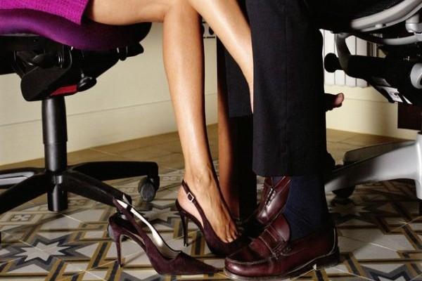 Σεξ στο γραφείο: Η λίστα με τα επαγγέλματα που το κάνουν
