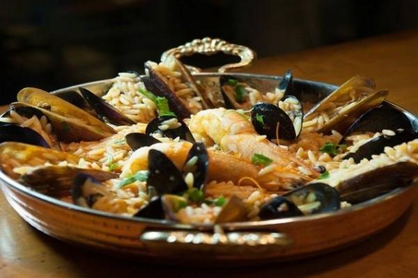 Ιβιλάι: Ολόφρεσκες θαλασσινές γεύσεις που... από την Πόλη έρχονται στη Νέα Ερυθραία!