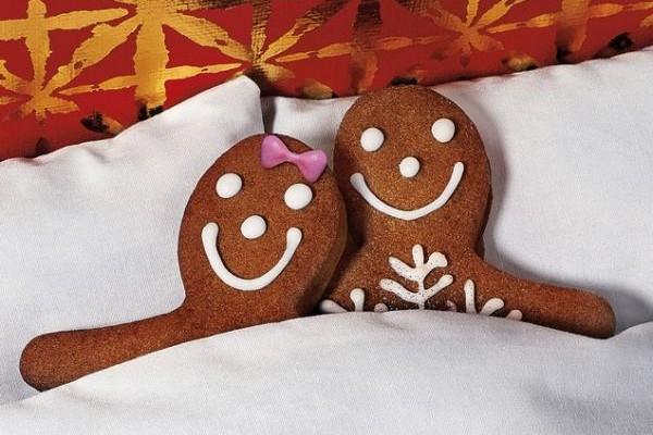 Γιορτινό κρεβάτι: Tα καλύτερα sex tips για να απογειώσετε την ερωτική σας ζωή τα Χριστούγεννα!