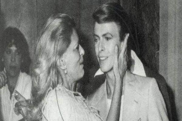 Όταν η Μελίνα Μερκούρη είχε συναντήσει τον David Bowie: Το θρυλικό τετ-α-τετ στις Κάννες το 1978 (PHOTOS)