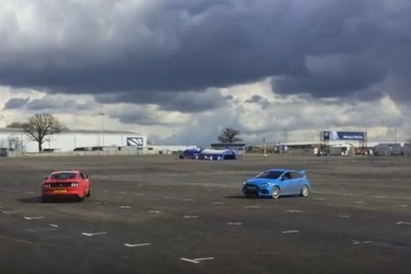 Dancing with the... cars! Ένα Mustang και ένα Focus RS παραδίδουν μαθήματα χορού. Δείτε το βίντεο στο Athensmagazine.gr