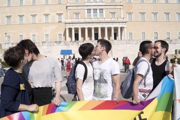 Athens Pride 2016: Αύριο στο Σύνταγμα το Φεστιβάλ Υπερηφάνειας