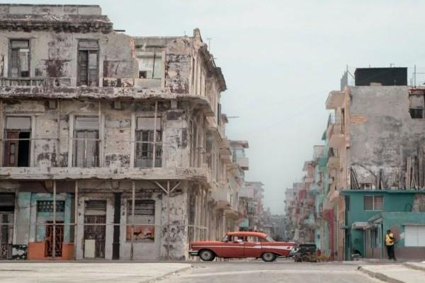 Η Φωτογραφία της Ημέρας: Περιοχή στην Αβάνα της Κούβας που μοιάζει λες και βγήκε από τον... πόλεμο