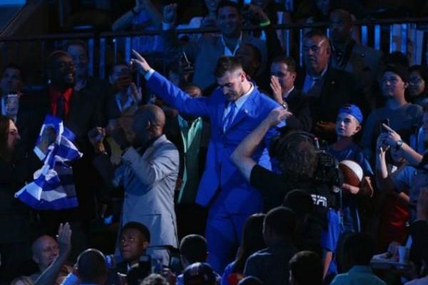 Χίλια μπράβο ρε παλίκαρε! Ο Γιώργος Παπαγιάννης έκανε περήφανη όλη την Ελλάδα στο ΝΒΑ! Έγραψε ιστορία - Στο Νο13 του draft!