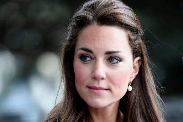 Το απόλυτο μυστικό της Kate Middleton για μεταξένια μαλλιά κοστίζει μόνο 20 ευρώ - Δείτε ποιο είναι
