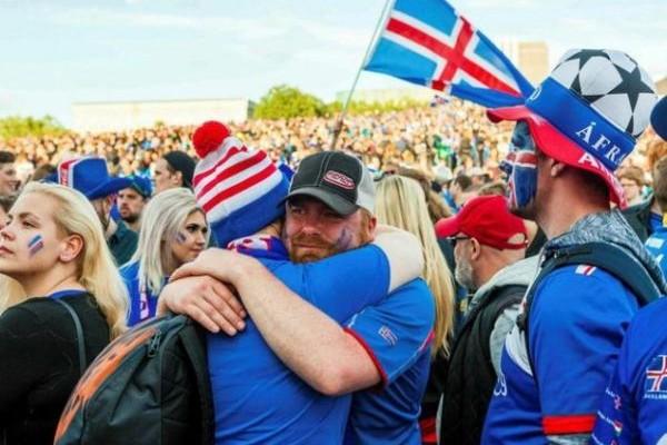 Δεν ξανάγινε: Yποδοχή ηρώων στην Ισλανδία! (VIDEO)