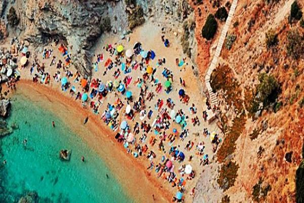 Top 10: Οι καλύτερες παραλίες της Αττικής για αυγουστιάτικες βουτιές! (PHOTOS)
