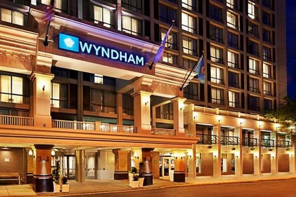 Wyndham Grand Athens: Ένα ολοκαίνουριο ξενοδοχείο στην πλατεία Καραϊσκάκη