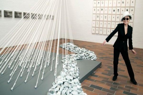 Μακεδονικό Μουσείο: Η Γιόκο Όνο παρουσιάζει εγκατάσταση με 100 φέρετρα (photos)