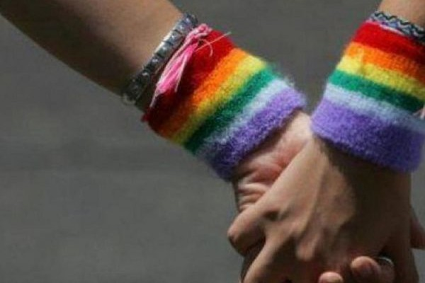 Σύμφωνο συμβίωσης: Ο νέος νόμος που το εξομοιώνει με το γάμο σε θέματα σύνταξης και ασφάλισης