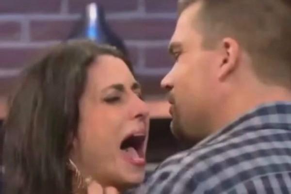 Πήγε σε εκπομπή για να δει αν ο σύντροφός της την απατά και ανακάλυψε κάτι πολύ χειρότερο...