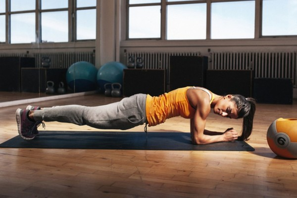 Άσκηση σανίδα: 4 λεπτά την ημέρα για 28 ημέρες και το σώμα σας θα αλλάξει για πάντα
