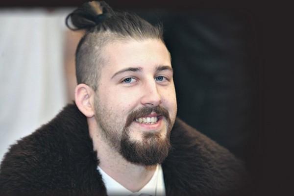 Προεδρικές εκλογές στη Σερβία, την Κυριακή -Ο 25χρονος υποψήφιος με τα μαλλιά σαμουράι (photos)