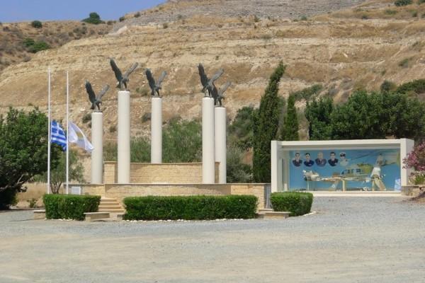 Η κατάρα των στρατιωτικών ελικοπτέρων ξαναχτύπησε: Κανείς δεν θα ξεχάσει την 10η Ιουλίου του 2002... (Photos)