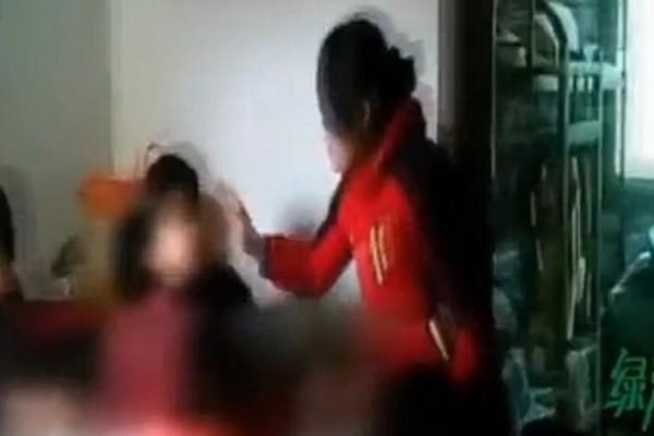 Γαϊδούρια λογοθεραπευτές χτυπάνε παιδάκια με ειδικές ανάγκες (video)