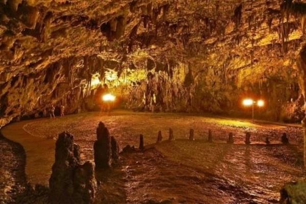 Υποκλίνονται τα ιταλικά ΜΜΕ στο μεγαλείο του! Το επικό σπήλαιο της Κεφαλονιάς (photos)