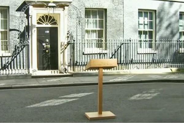 Ραγδαίες εξελίξεις στην Βρετανία: Έκτακτο διάγγελμα της Τερέζα Μέι - Φήμες για πρόωρες εκλογές!