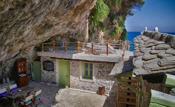 Η εντυπωσιακή μεταμόρφωση μιας σπηλιάς στο Πήλιο σε υπέροχη κατοικία!  (photos)