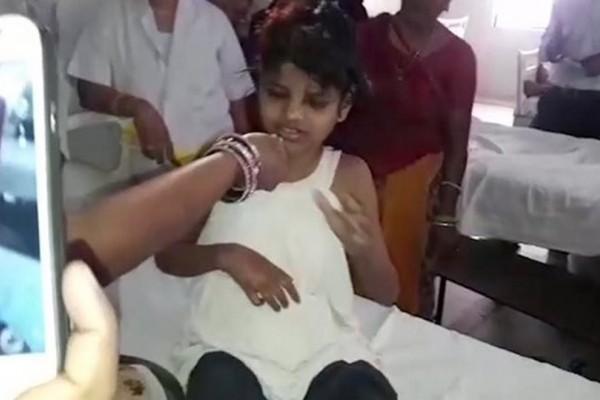 Η τραγική ιστορία πίσω από το κορίτσι-Μόγλης που βρέθηκε σε δάσος της Ινδίας!