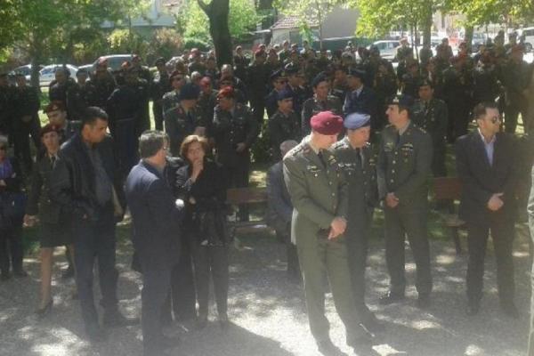 Πτώση ελικοπτέρου: Σπαράζουν καρδιές στην κηδεία του ταγματάρχη! Παρών ο Πάνος Καμμένος