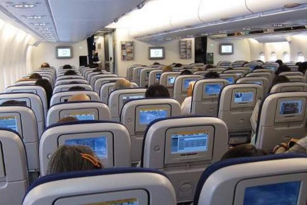 Έχετε κι εσείς αυτή την απορία; Τι συμβαίνει όταν κάποιος πεθαίνει μέσα σε αεροπλάνο