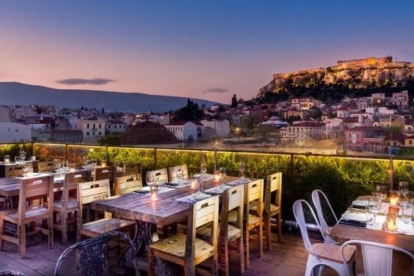 4 café-restos ξενοδοχείων με θέα στην Ακρόπολη που δεν θα ξοδέψεις μια… περιουσία!