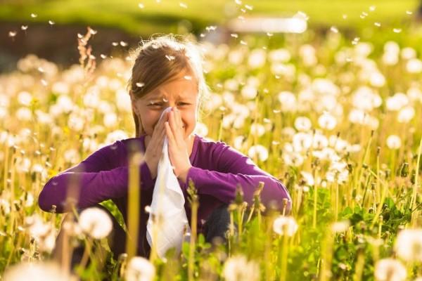 Σας γονατίζουν οι αλλεργίες της άνοιξης; Βρήκαμε 10 τροφές για να τις νικήσετε!