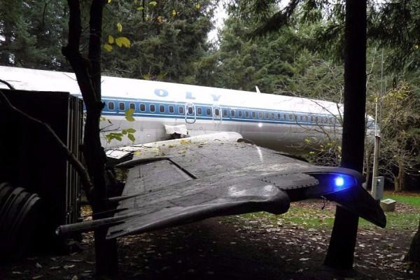 Παράξενη ιστορία: Γιατί αυτό το αεροπλάνο της Ολυμπιακής βρίσκεται σε ένα δάσος των ΗΠΑ; (photos)