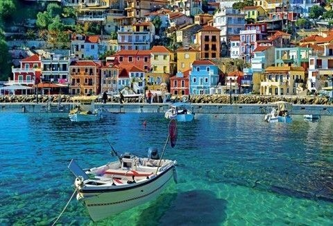Χρώματα που σε μαγεύουν: Αυτή είναι η ομορφότερη ελληνική πόλη που θυμίζει νησί! (Photos)
