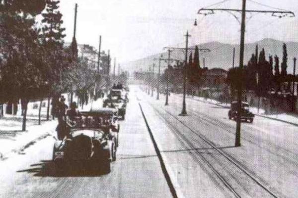 Σαν σήμερα 1941: Η μαύρη μέρα που η Αθήνα έπεσε στα χέρια των Γερμανών! Εικόνες κατακτημένης γης που σοκάρουν... (Photos)